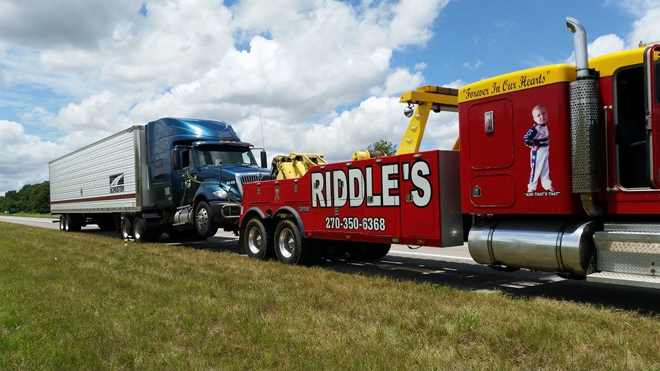 Riddle's 24hr Towing & Lockout, LLC - Heavy Duty Wrecker Service
